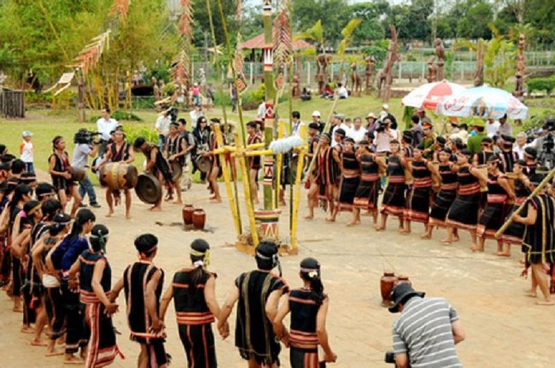 Hình ảnh lễ hội mừng lúa mới khoảng cuối năm
