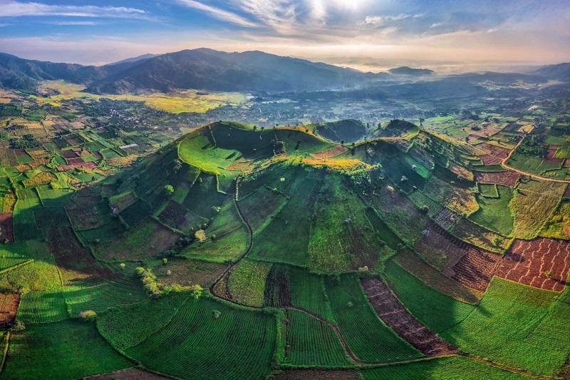 Những dãy núi trùng điệp tại Pleiku
