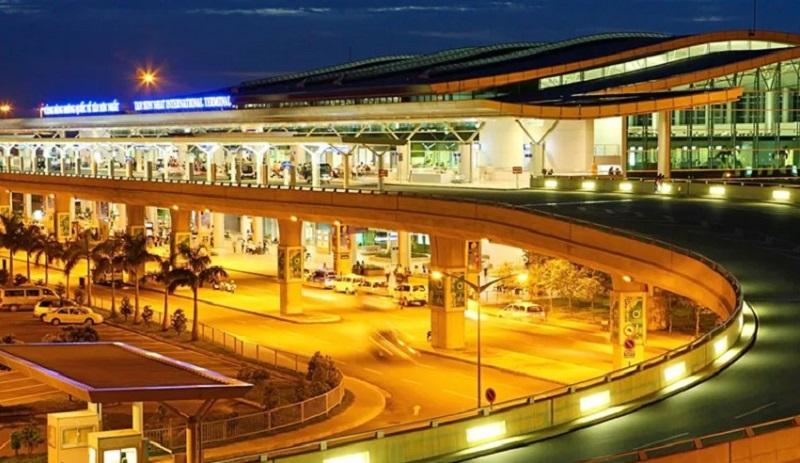 Toàn cảnh sân bay Tân Sơn Nhất lung linh về đêm