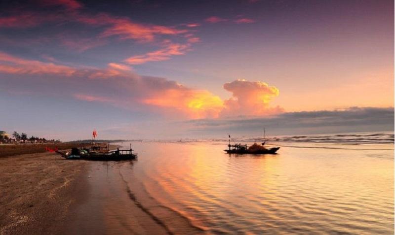 Vẻ đẹp hoàng hôn trên biển Diễn Châu