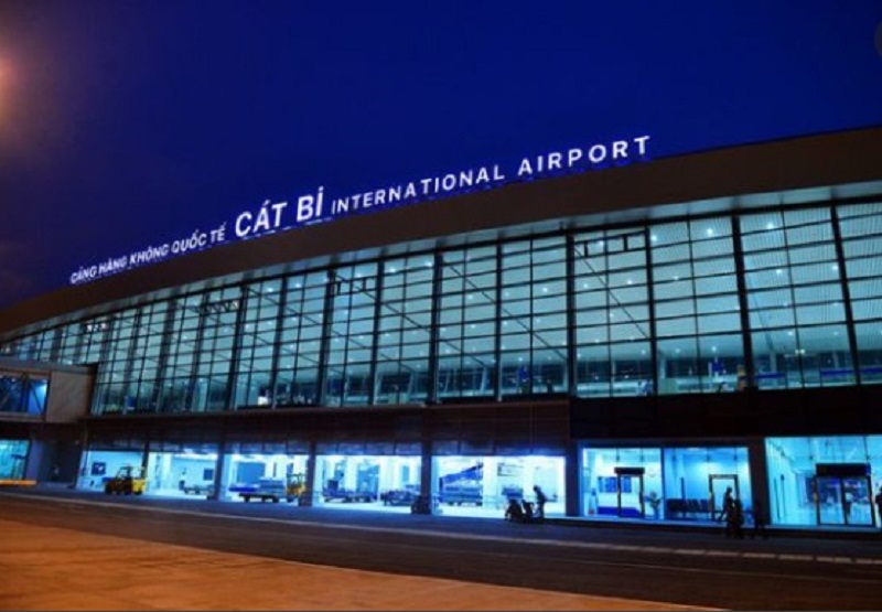 Cảng hàng không quốc tế Cát Bi tại Hải Phòng, cách trung tâm thành phố khoảng 5km