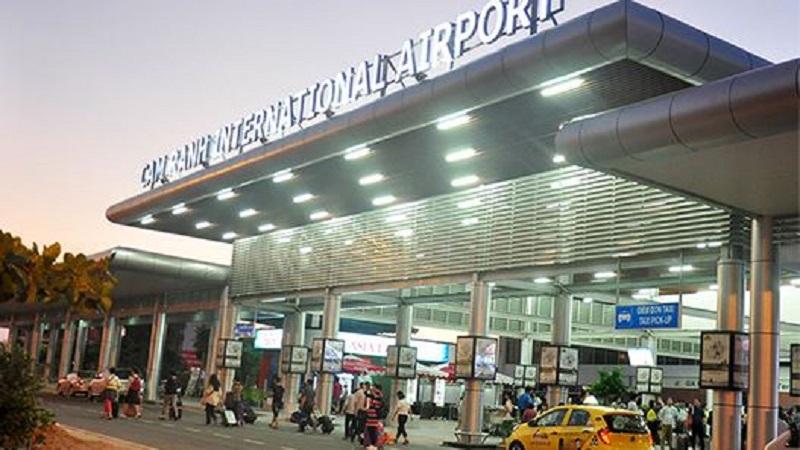 Sảnh đón, trả khách của sân bay quốc tế Cam Ranh