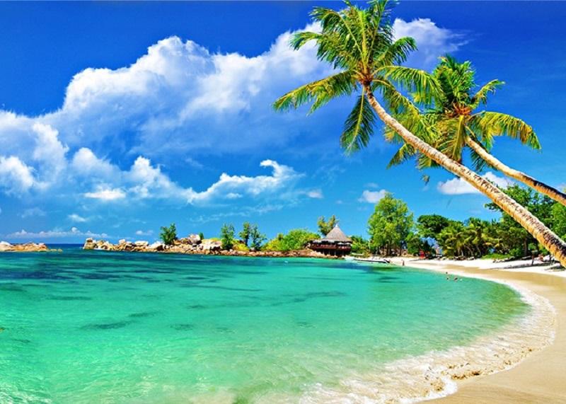 Bãi biển trong xanh, thơ mộng tại Kiên Giang