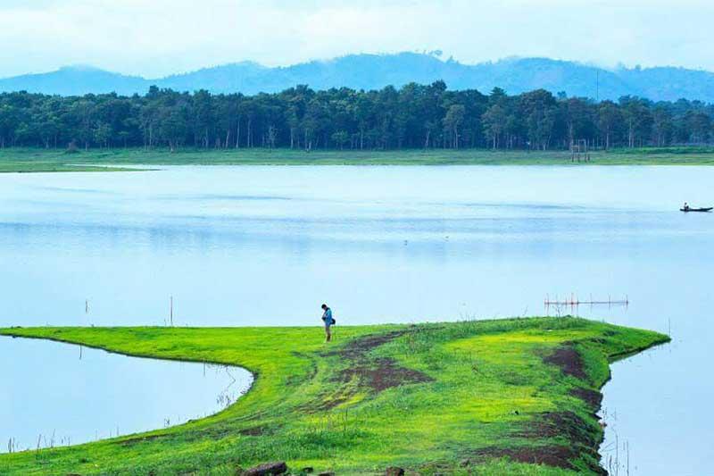 Vẻ đẹp hoang sơ của hồ nước nhân tạo Ea Kao
