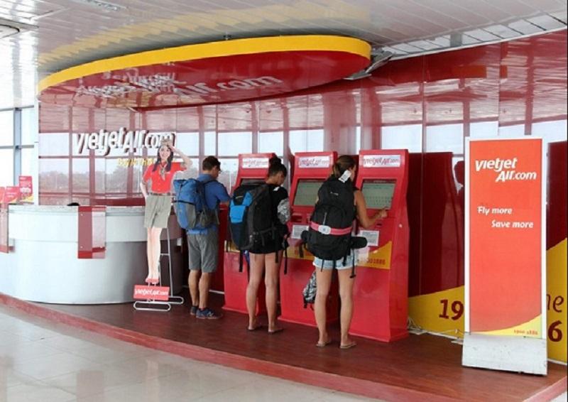 Chỉ cần xuất trình Boarding Pass đã in tại nhà, tại kiosk check in tự động, tại cửa Kiểm Soát An Ninh và cửa lên tàu bay để lên máy bay