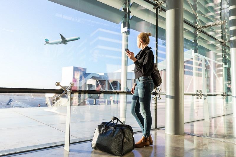 Nên có mặt tại sân bay ít nhất 2 tiếng với chuyến bay nội địa và ít nhất 3 tiếng với chuyến bay quốc tế