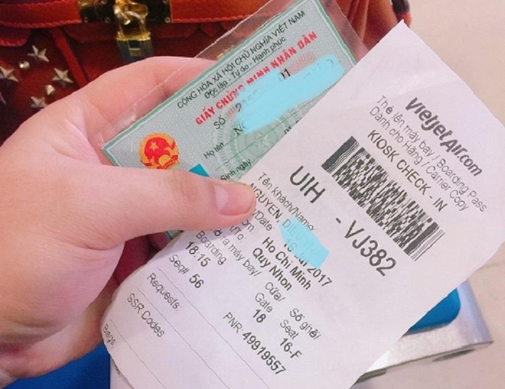 Người lớn từ 14 tuổi trở lên được yêu cầu cung cấp chứng minh thư nhân dân hoặc thể căn cước công dân khi bay nội địa
