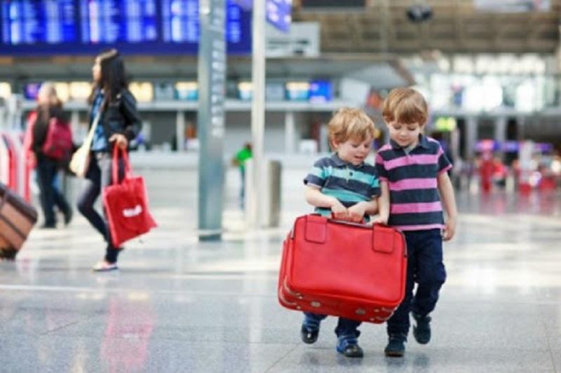 Trẻ em hay em bé là những hành khách thuộc đối tượng đặc biệt trên chuyến bay