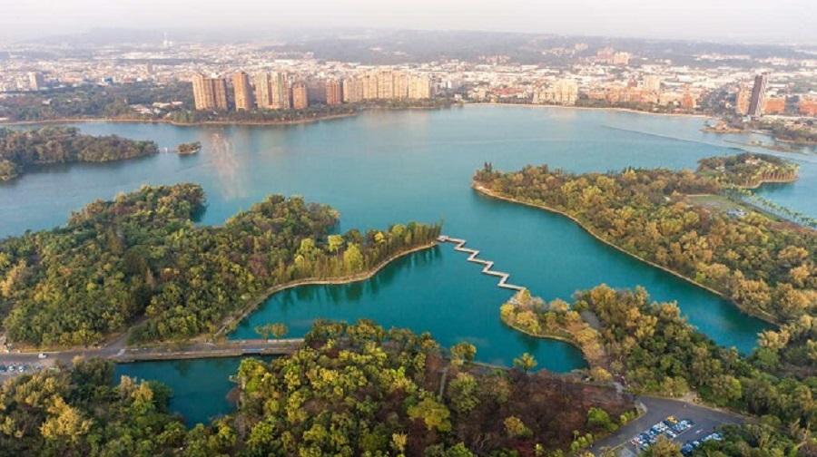 Hồ Cheng Ching có diện tích hơn 300ha với vẻ đẹp thanh bình, thơ mộng
