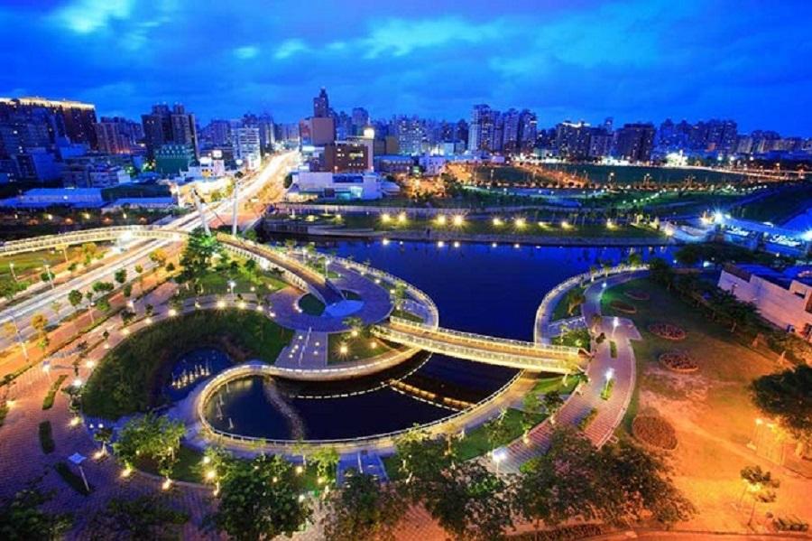Dòng sông Tình Yêu – Ái Hà mềm mại như biểu tượng của thành phố Cao Hùng