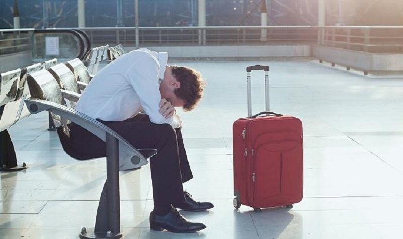 Trễ chuyến bay là trường hợp vì một số lý do khách quan như tắc đường, hỏng xe, quên giấy tờ, có việc gấp… mà không lên kịp chuyến bay