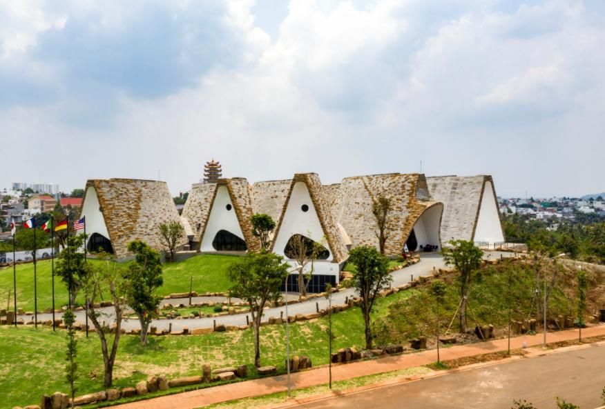 Toàn cảnh bảo tàng Thế Giới Cà Phê với thiết kế lạ mắt