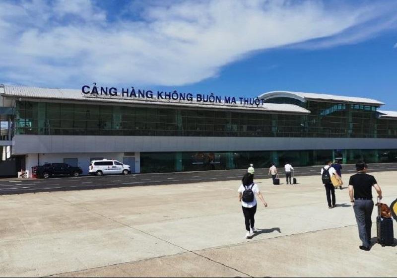 Sân bay Buôn Ma Thuột với đường băng dài 3000m, rộng 45m