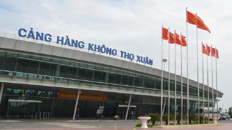 Sân bay Thọ Xuân cách trung tâm thành phố khoảng 45km về hướng Tây
