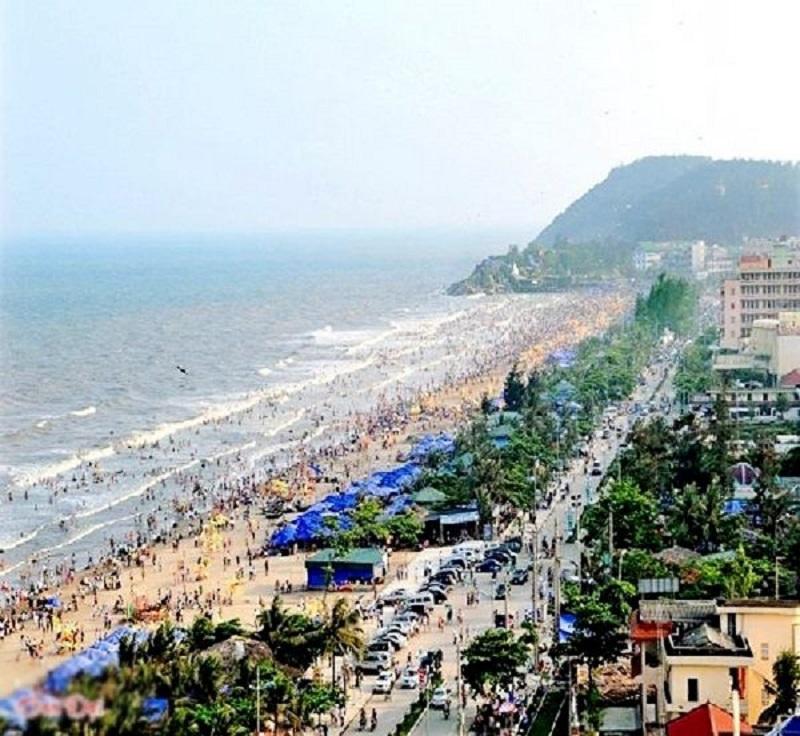 Bãi biển tại Thanh Hóa trong mùa du lịch