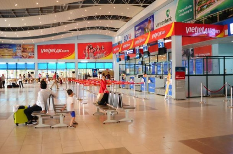 Khung cảnh bên trong sân bay Đồng Hới
