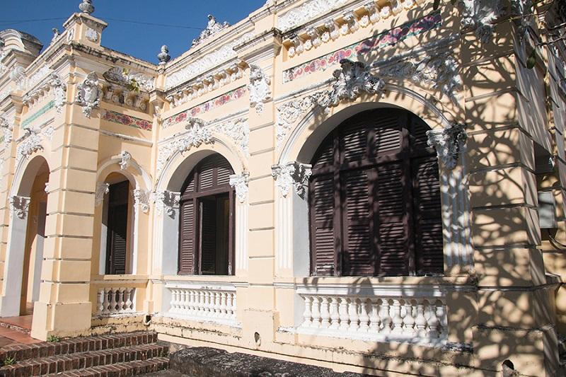 Bảo tàng cổ kính được xây dựng theo phong cách Pháp cổ kính