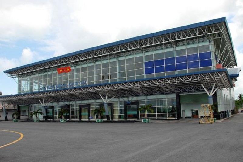 Sân bay Rạch Giá nằm tại phường Vĩnh Lợi, thành phố Rạch Giá, tỉnh Kiên Giang