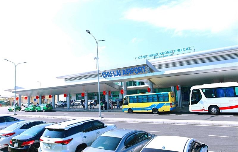 Hoạt động đón tiếp hành khách đến và rời đi tại sân bay Chu Lai